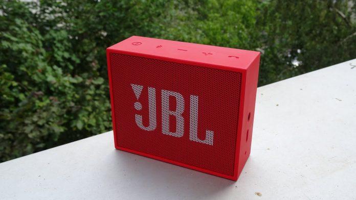 Портативная колонка JBL GO