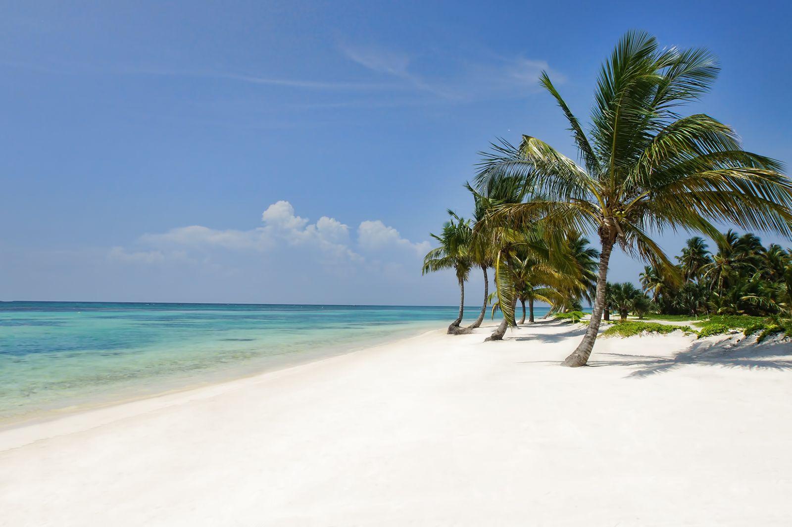Территория отеля Tropical Princess Beach Resort & Spa